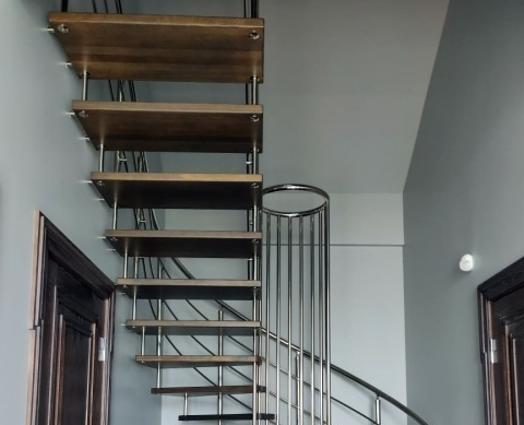 Лестница на больцах - дизайнерское решение